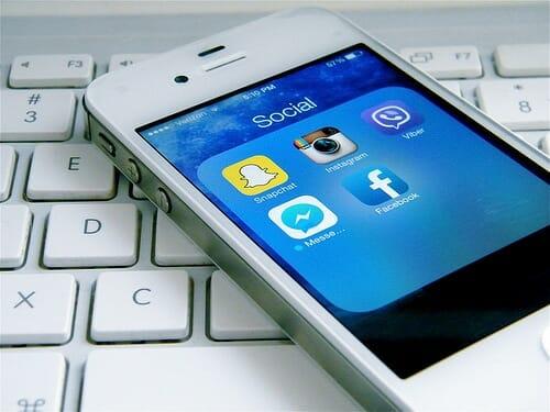 laptop social media photo